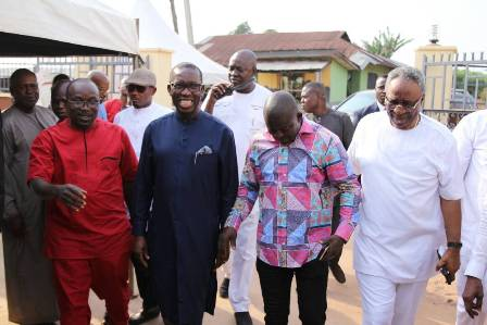 IMG-20171228-WA0055 TOP FUNCTIONARIES ATTEND PA OFUME BURIAL CEREMONY