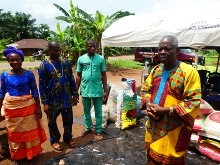 P1020030 PROPHET IGBODO GIVES SUCCOUR TO WIDOWS IN AGBOR