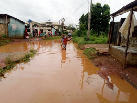 Hon.-Igudia-Hon.-Nwali-and-Comr.-Omorogbe-addressing-the-protesters ALIBIOBA FLOOD DISASTER: RESIDENTS PROTEST