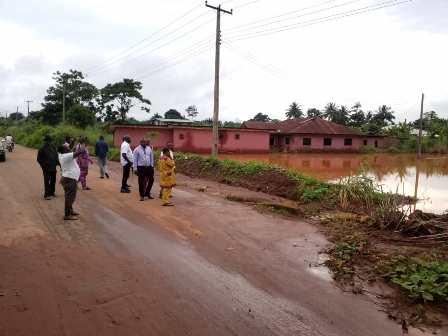 IMG_9062 IGBODO FLOOD:RIVER ALLEGEDLY OVERFLOWS ITS SHORES