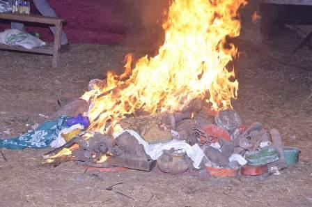 IMG-20200121-WA0002 MAMMOTH CROWD AS BABA FIRE, FR. DIBIE STORM ABAVO