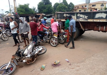 IMG_20210417_075103_6 MULTIPLE AUTO CRASHES AT FORMER OWA-EKEI JUNCTION BY OLD LAGOS/ASABA ROAD,