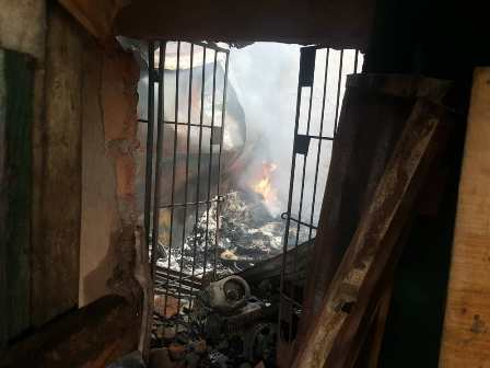 IMG-20210508-WA0013 HOODLUMS SET BUILDING ON FIRE, AFTER THREAT TO LANDLADY