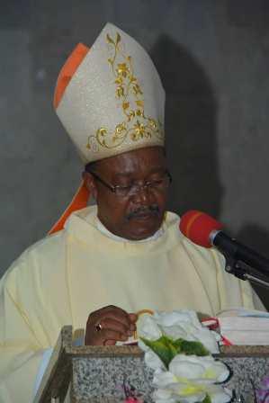 Gov.-Okowa-others LATE SOLOMON CHUKWUMA, EPITOME OF WISDOM - Bishop Elue