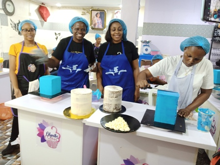 The-CEO-Olyniks-Cakes-2nd-R-CEO-Ludy-Cakes-Lagos-with-some-of-the-students MY PASSION FOR BAKING DISTINGUISHES ME FROM OTHERS - Olyniks Cakes